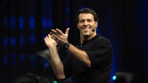 Tony Robbins applauderer