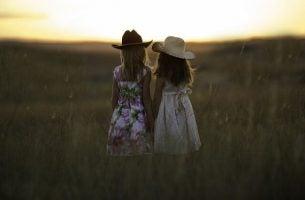 Hvordan vennskap utvikles i løpet av våre liv