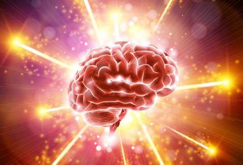 Illustrasjon av en glødende hjerne