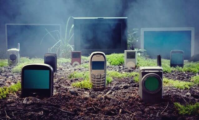 En kirkegård av gamle mobiltelefoner