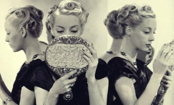 Narsissisme: 5 årsaker til narsissistisk personlighetsforstyrrelse