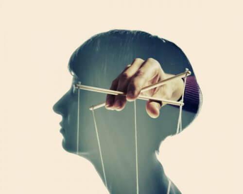 Psykologiske manipulasjonsteknikker du kan være et offer for
