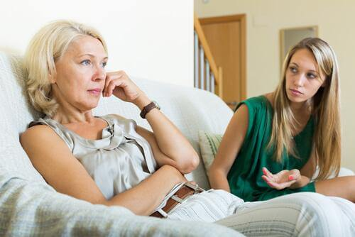 Mor og datter kommuniserer