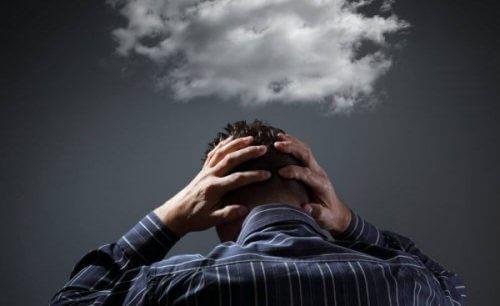 6 måter å stoppe påtrengende tanker