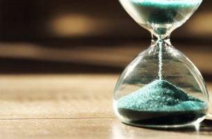 Tidspsykologi: Hvorfor vi oppfatter tid på forskjellige måter