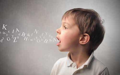De vanligste lingvistiske feilene hos barn i alderen 3 til 6 år