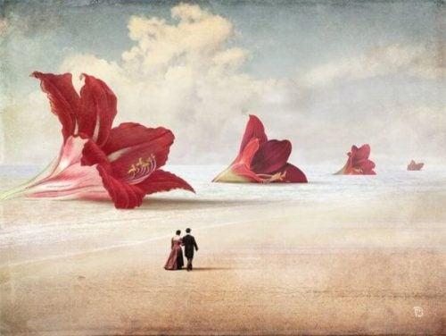 Et par går langs gigantiske blomster
