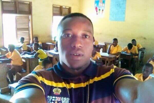 Mr. Kwadwo, den ghanesiske læreren i klasserommet sitt