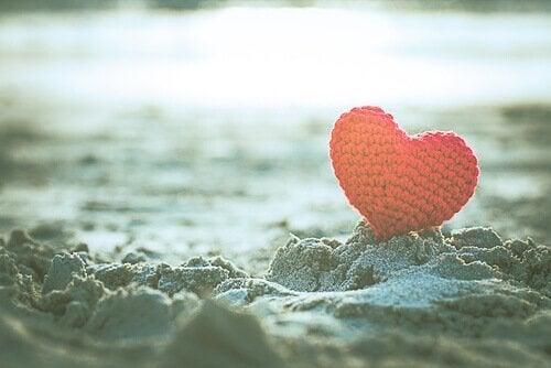 hjerte i sanden