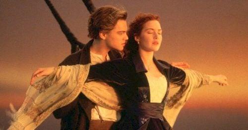 Den 20 år lange kjærlighetshistorien Titanic