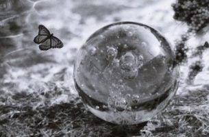 Emosjonell skjørhet: Nøklene til å forstå og styrke ditt ego