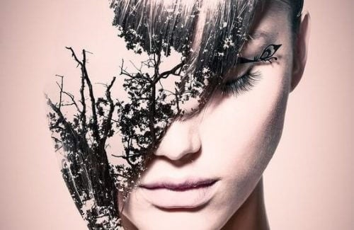 kvinne med blader i ansiktet