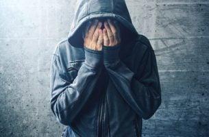 Rusmidler og psykisk sykdom: Hva er sammenhengen?