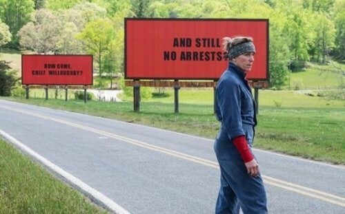 Three Billboards Outside Ebbing, Missouri: Raseriet innenfor smerten