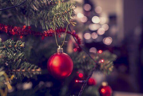 Juletre med julekule