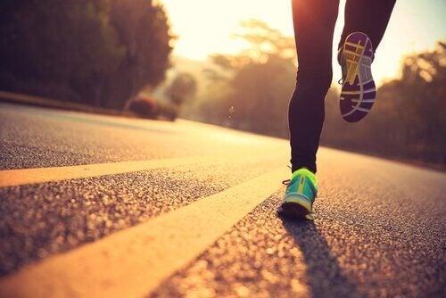 En mann som løper