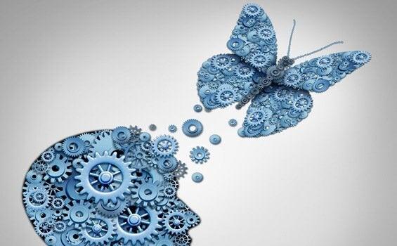 Hodet med sommerfugl