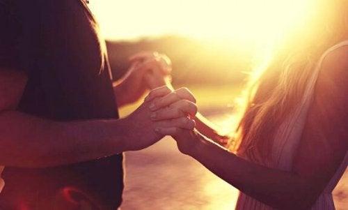 Nøkler til å kommunisere med en introvert