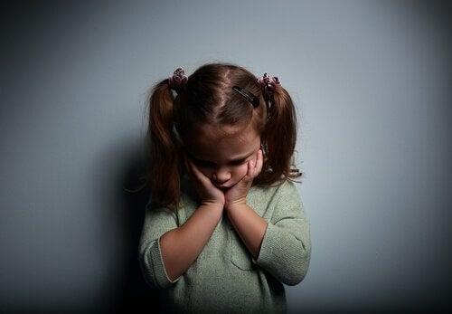 Å vokse opp med emosjonelt fraværende foreldre