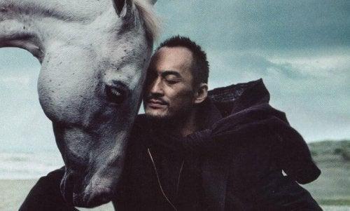 Den rasjonelle rytteren og den følelsesmessige hesten: Å finne balanse