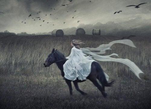 Behandling av rasjonell og emosjonell krever balanse, som å ri på en hest.