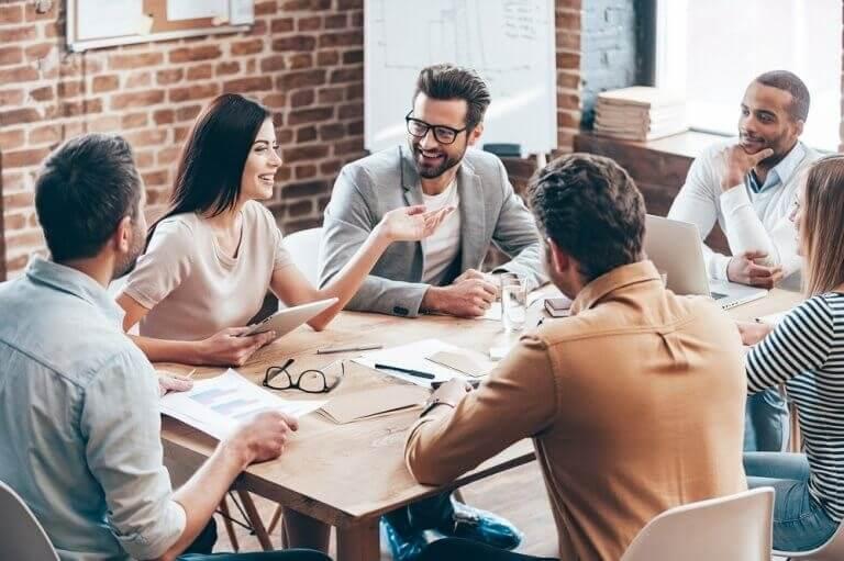 Emosjonell intelligens på arbeidsplassen: Hvorfor er det viktig?