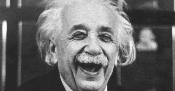 Einsteins gode sans for humor