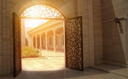 Dørene til et palass