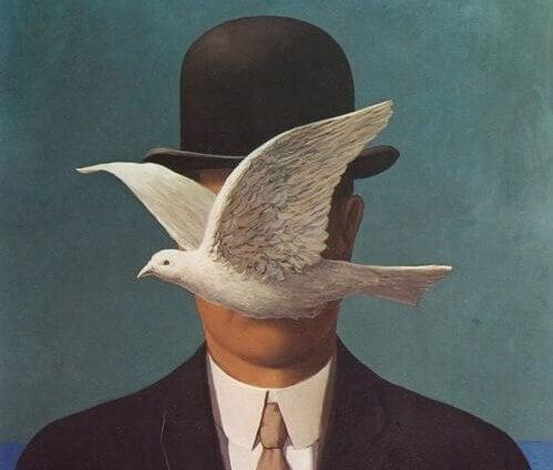 En due foran en mann