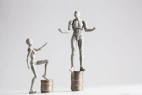 En illustrasjon av lønnsforskjellen mellom kvinner og menn, som også påvirkes av årsakene til kjønnsforskjeller.