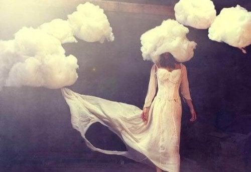 Vi har alle hodet i skyene i blant.