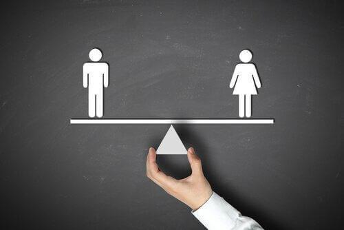 Det finnes ulike taktikker man kan prøve for å bekjempe årsakene til kjønnsforskjeller.