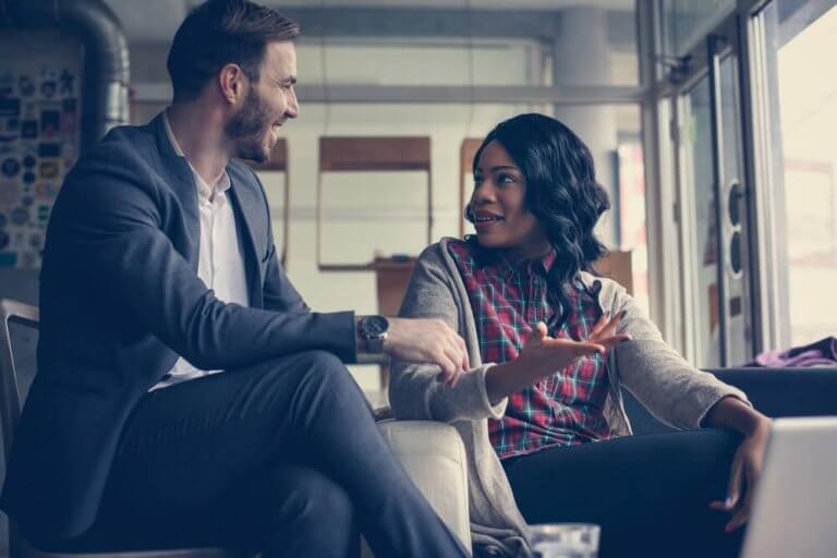 3 nøkler til å konversere uten å miste interessen til den andre