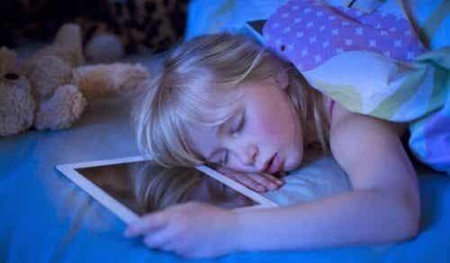 Teknologisk søvnløshet: Skjermer forårsaker søvnløshet