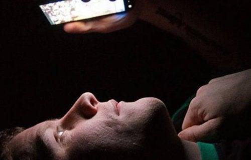 Teknologisk søvnløshet