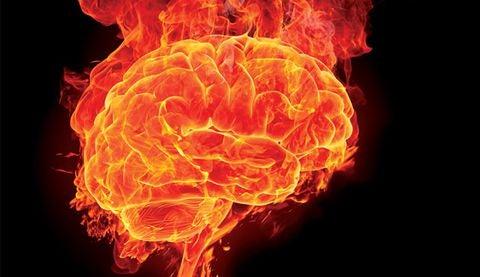 Angst hjerne, en hjerne i flammer.