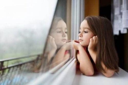 Å være et enebarn: fordeler og ulemper