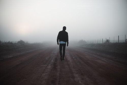 mann går