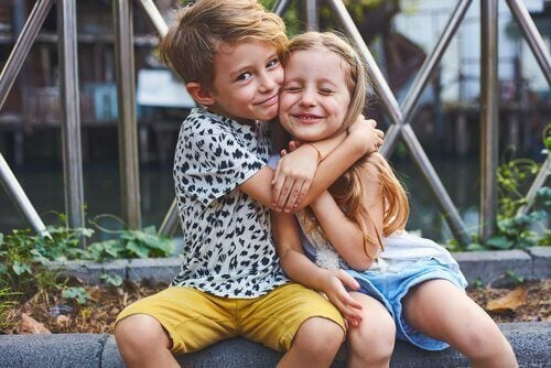 Forholdet mellom søsken, og hvordan de påvirker hverandre har både positive og negative effekter.
