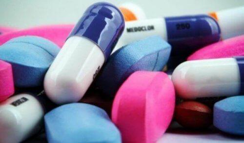 Fargerike piller