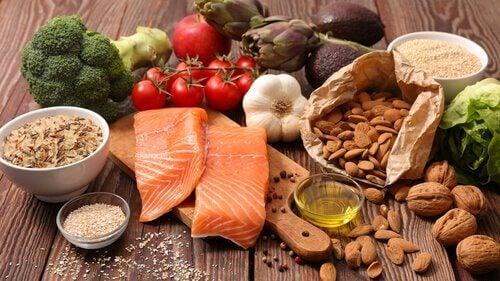 Et middelhavsdiett hjelper deg til å danne sunne matvaner.
