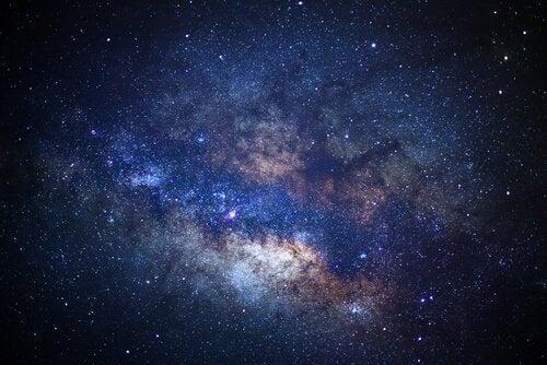 Folk med apeirofobi unngår å tenke på universet og det uendelige.