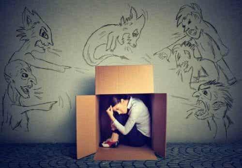 Hvordan overkomme frykten for å bli kritisert?