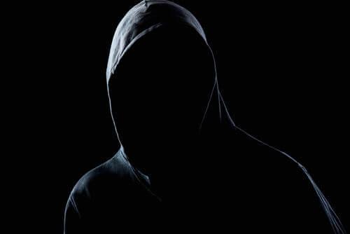 Hvordan utvikler en angripers personlighet seg?