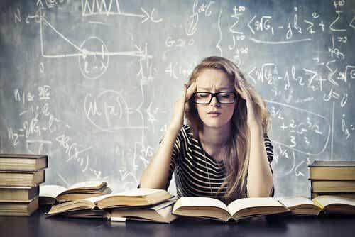 Fem råd som hjelper deg med å bekjempe akademisk stress