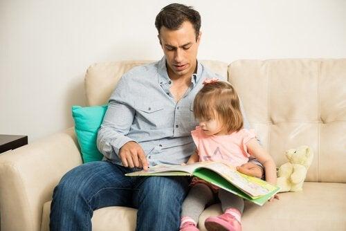 familier av enslige foreldre