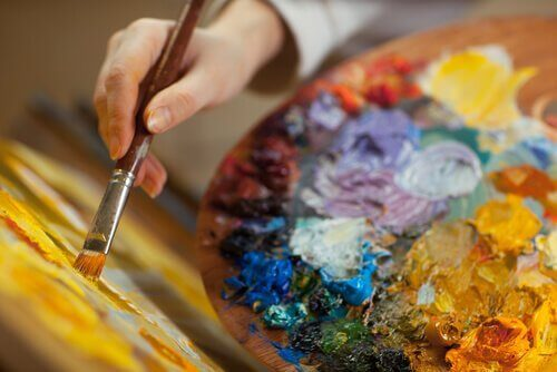 Seks øvelser i kunstterapi for voksne
