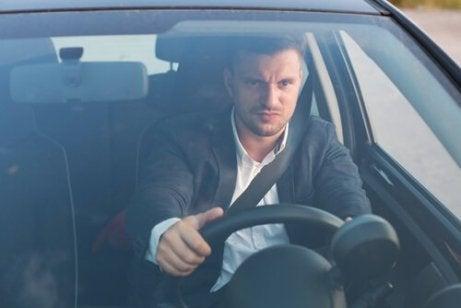 Sint sjåfør bak rattet er hissig i trafikken