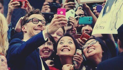 Benedict Cumberbatch med fans