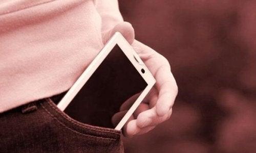 Fantomvibrering-syndrom: Når du føler at mobilen vibrerer